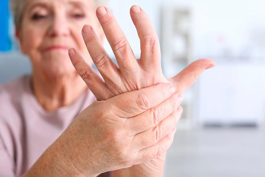Почему немеют руки по утрам после сна – причины и лечение 2020