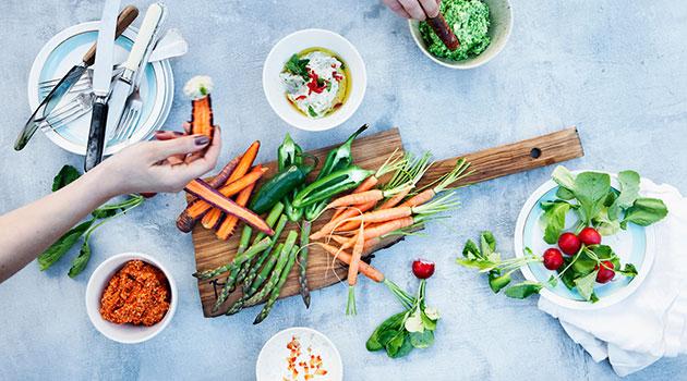 От потери веса до проблем с гормонами: как вегетарианство влияет на организм — разбираем с экспертом