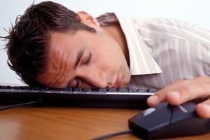 Как бороться с сонливостью и усталостью