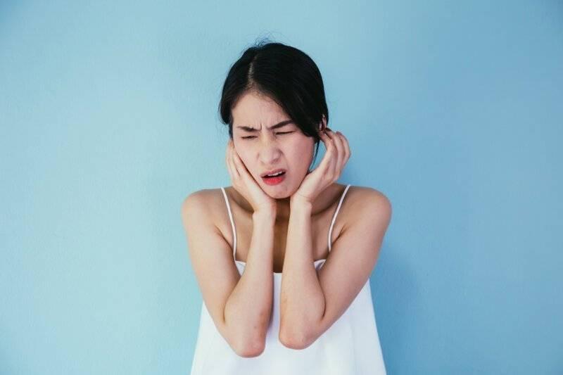 Болит ухо при гриппе чем лечит