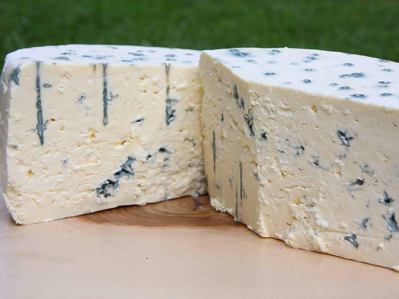 Самые опасные для здоровья сорта сыра