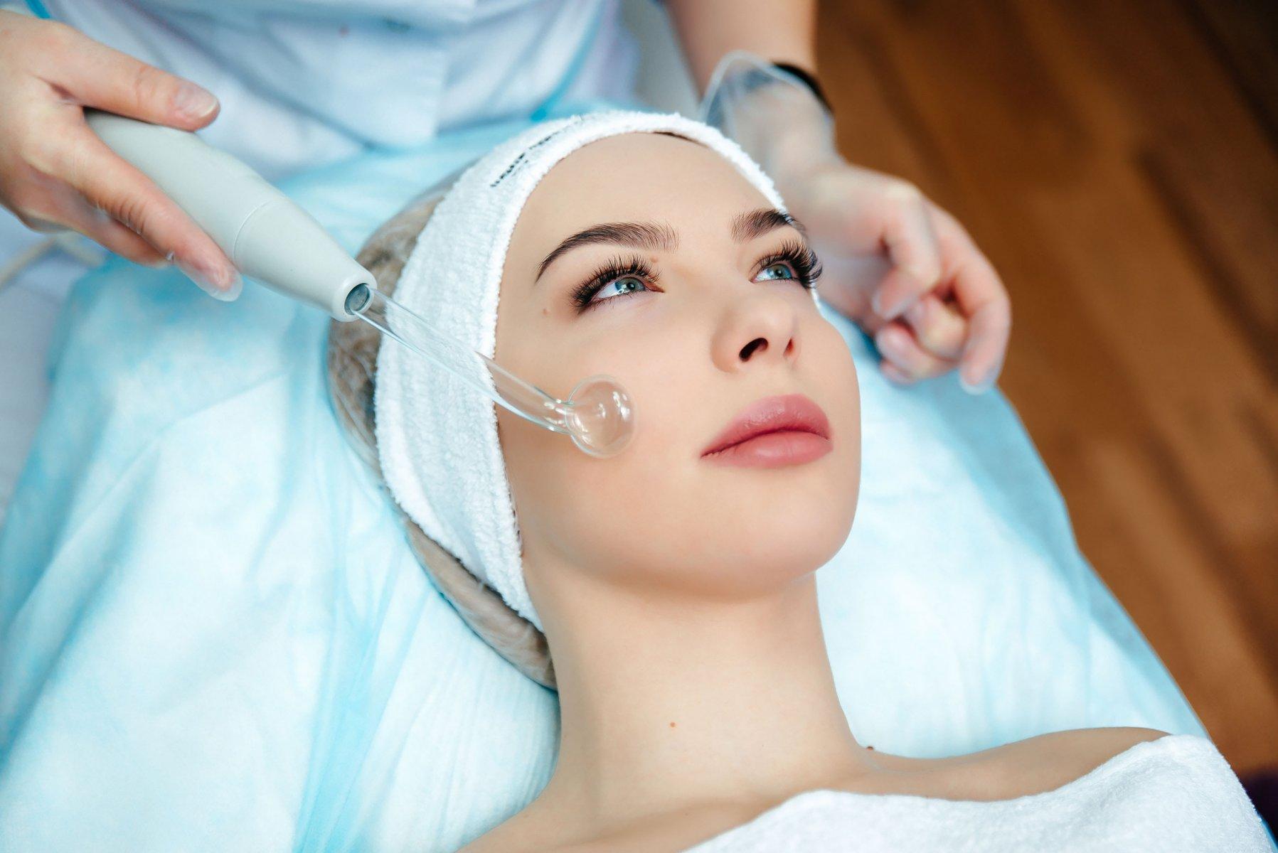 Технология воздействия дарсонвализации в лечебных и косметических целях