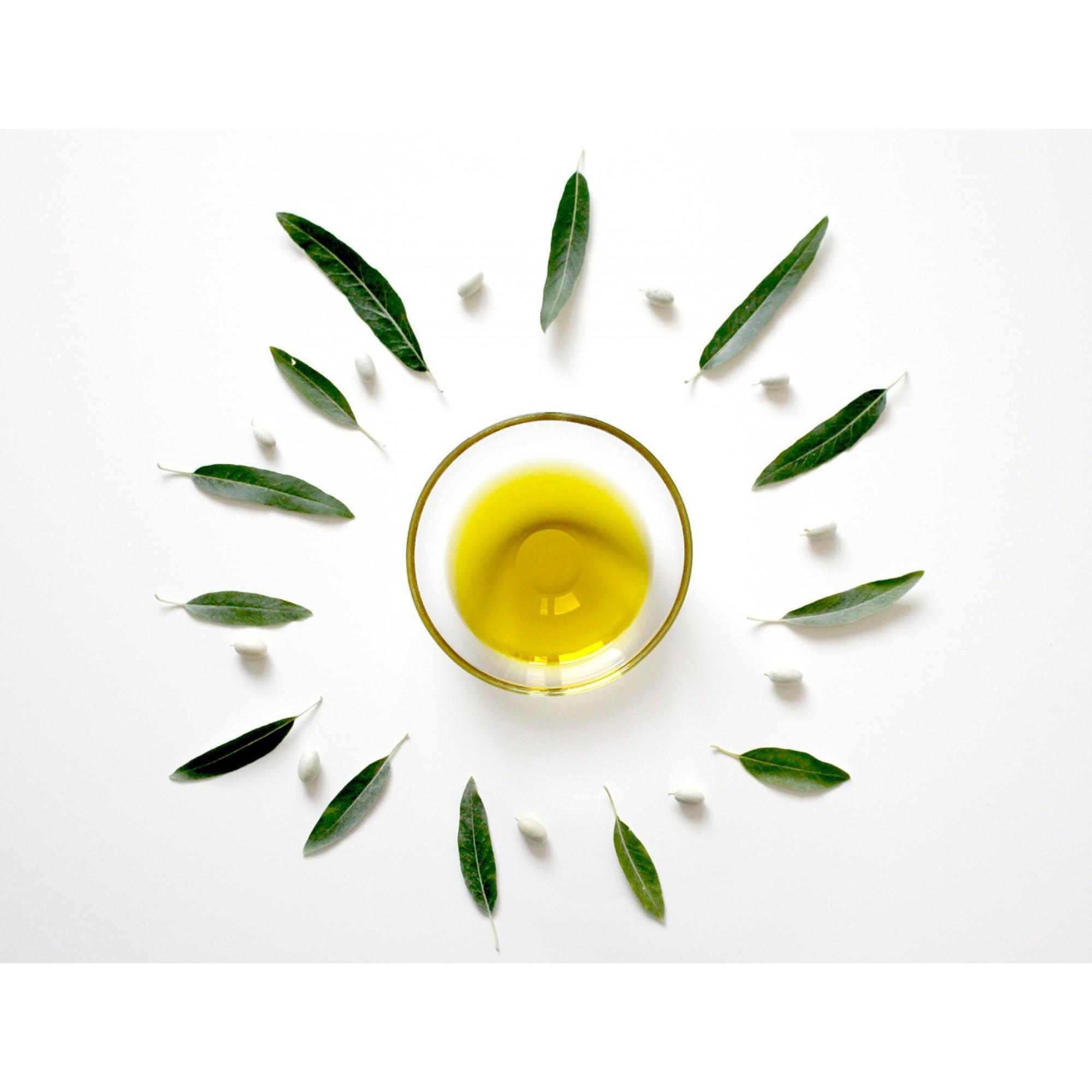 Полезные свойства миндального масла и его применение для ресниц