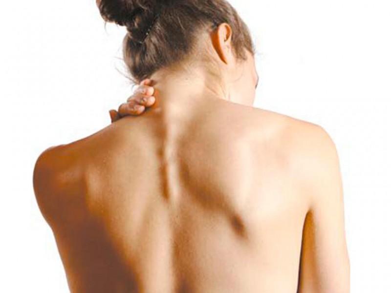 Атерома на голове: удаление с волосистой части кожи, причины, лечение