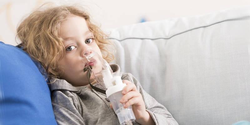 Применение небулайзера для ингаляций при заболевании пневмонией