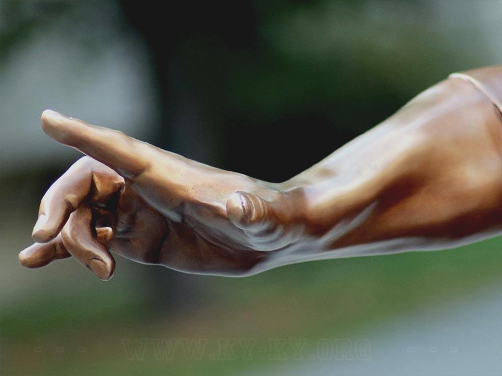 Немеет правая рука: причины, что делать