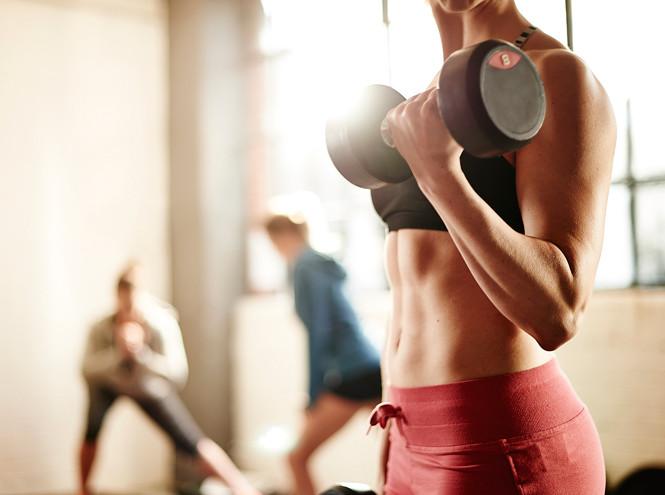 Можно ли заниматься спортом во время месячных или нет